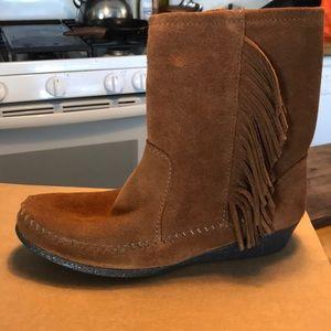 Minnetonka side fringe wedge ankle boot